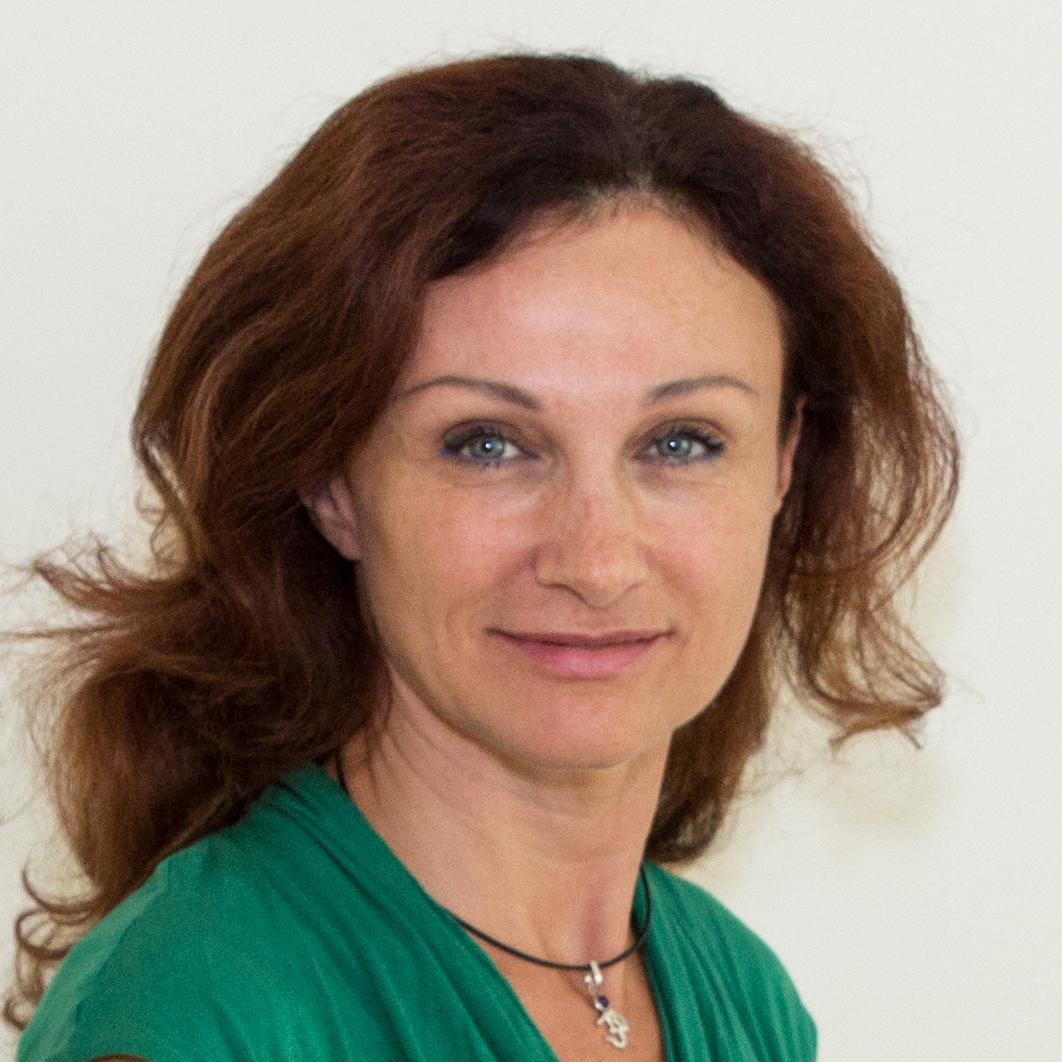 Giana Szabo Referentin UNIT Yoga Ausbildungen