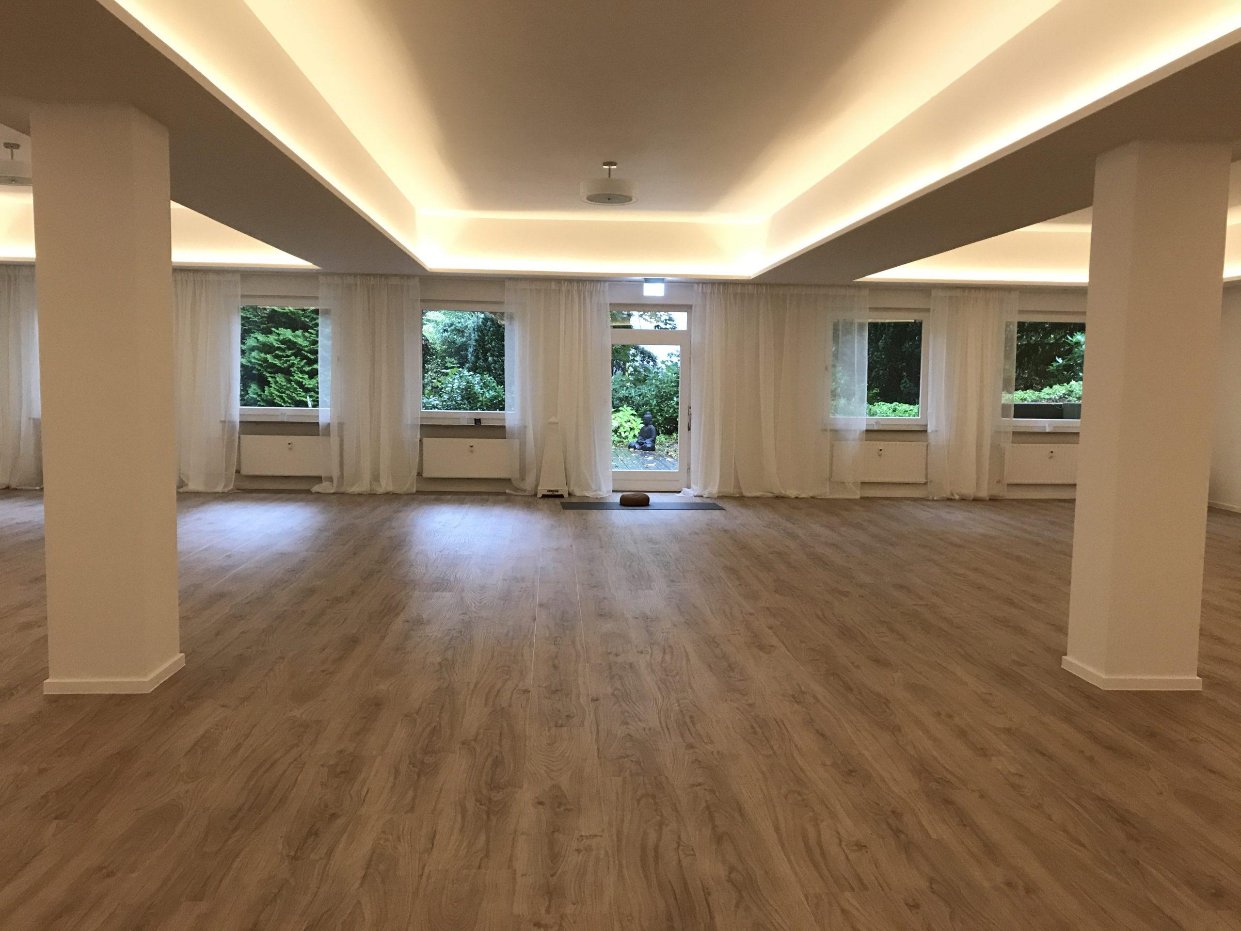 Unit Yoga Hamburg grosser Kursraum